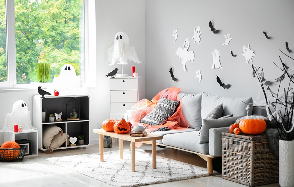 DIY Halloween room decor